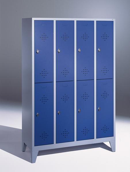 Doppelstöckige Garderobenschränke mit Füßen, Breite 1220 mm, 8 Fächer in 300 mm Breite, in 3 Farben