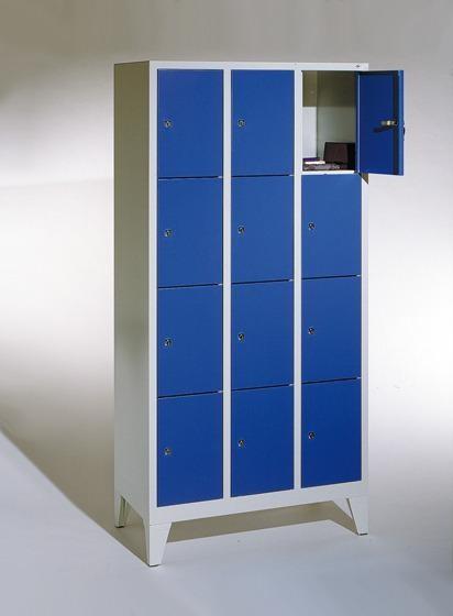 Fächerschränke mit Füßen, Breite 920 mm, 12 Schließfächer übereinander je 300 mm breit, 3 Farben