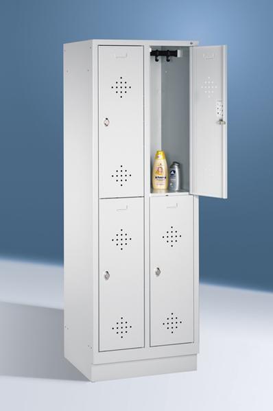 Doppelstöckige Garderobenschränke mit Sockel, Breite 610 mm, 4 Fächer in 300 mm Breite, in 3 Farben