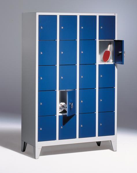 Fächerschränke mit Füßen, Breite 1220 mm, 20 Schließfächer übereinander je 300 mm breit, 3 Farben