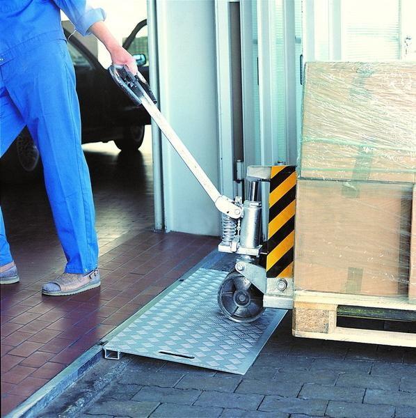 Keilbrücken für schwere Lasten, Tragkraft 3000 kg, Breite 1250 mm, Länge 500 mm aus Aluminium