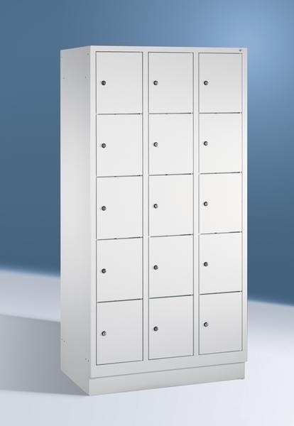 Fächerschränke mit Sockel, Breite 1220 mm, 15 Schließfächer übereinander je 400 mm breit, 3 Farben
