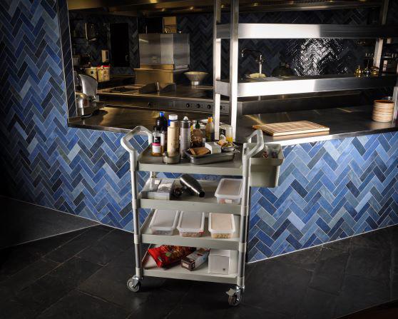 Küchen- und Servierwagen mit 4 festen Böden lichtgrau, 240 kg Tragkraft, 850 x 480 x 1080 mm, Alu