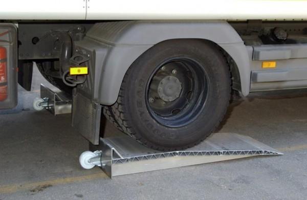Auffahrkeile für LKW 190 mm, 12.000 kg Tragkraft/Paar, Gesamthöhe 270 mm, 2 Stück Aluminium